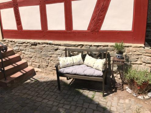 Gut gepolstert für ein komfortables und entspanntes Gespräch.